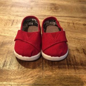 Baby Toms size 3 red